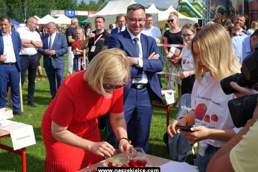 kielce wiadomości Plantatorzy truskawek świętowali w Bielinach (ZDJĘCIA)