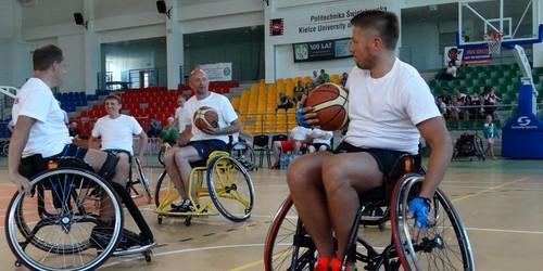kielce sport Niezwykły charytatywny mecz na wózkach (ZDJĘCIA)