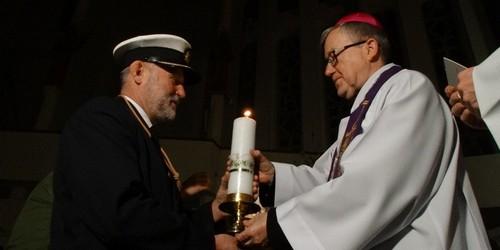 kielce wiadomości Betlejemskie Światło Pokoju dotarło do Kielc (ZDJĘCIA,WIDEO)