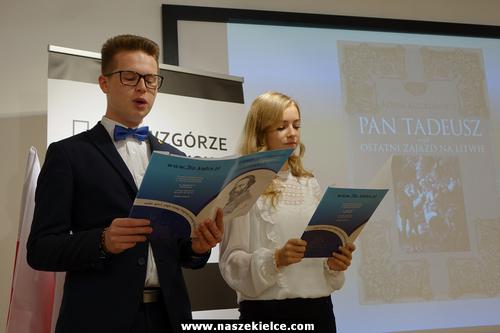 """kielce wiadomości Czytali """"Pana Tadeusza"""" na Wzgórzu Zamkowym (ZDJĘCIA,WIDEO)"""