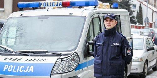 kielce wiadomości Dzielnicowy na urlopie uratował kobietę z płonącego budynku