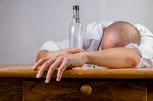 kielce wiadomości Komisja alkoholowa po znajomości? Wśród nowych członków fotograf prezydenta Wenty z kampanii