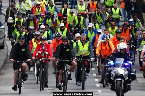 kielce wiadomości Na rowerach z biskupem (ZDJĘCIA,WIDEO)