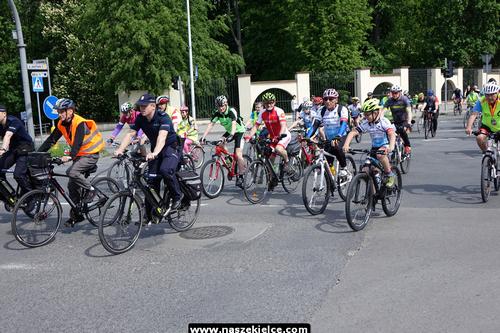 kielce wiadomości Pojechali na rowerach z biskupem (ZDJĘCIA,WIDEO)