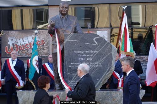 kielce wiadomości Na zawsze w pamięci. Odsłonięto pomnik Przemysława Gosiewskiego (ZDJĘCIA,WIDEO)