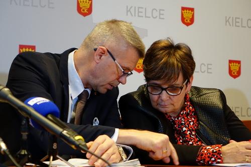 kielce wiadomości Kielecki ratusz znalazł oszczędności. By łatać dziurę w budżecie
