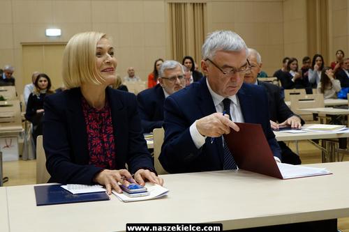 kielce wiadomości PiS przejął władzę w regionie. Andrzej Bętkowski marszałkiem województwa. Renata Janik wicemarszałkiem (ZDJĘCIA,WIDEO)