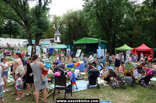 kielce wiadomości Kieleckie mamy piknikowały w ogrodzie Pałacyku Zielińskiego (ZDJĘCIA,WIDEO)