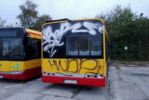 kielce wiadomości Wandale zdewastowali autobusy