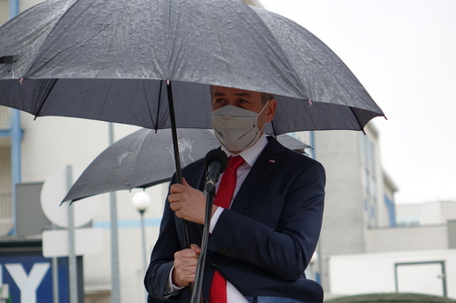 kielce wiadomości Robert Biedroń w Kielcach. Kampania wyborcza pod szpitalem (ZDJĘCIA,WIDEO)