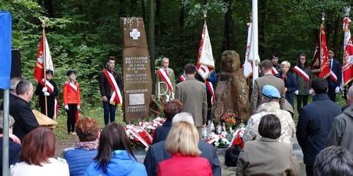 kielce wiadomości W Szewcach uczczono pamięć Armii Krajowej (ZDJĘCIA,WIDEO)