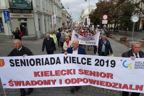 kielce wiadomości Pochód i występy artystyczne. Kieleccy seniorzy świętowali (ZDJĘCIA,WIDEO)