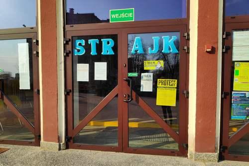 kielce wiadomości Ponad sto szkół w regionie odstąpiło od strajku