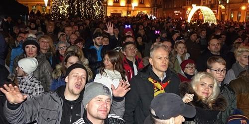 kielce wiadomości Kielczanie przywitali Nowy Rok na Rynku (ZDJĘCIA,WIDEO)