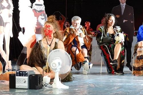 """kielce wiadomości """"Hańba"""" w Teatrze Żeromskiego. Sztuka o konfliktach miedzyludzkich"""