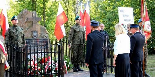 kielce wiadomości Uczcili pamięć partyzantów AK z oddziału Wybranieccy (ZDJĘCIA)