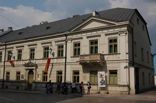 """kielce wiadomości Zabytkowe przedmioty, motocykl SHL i legendarna """"Frania"""". Nowa wystawa w MHKi"""