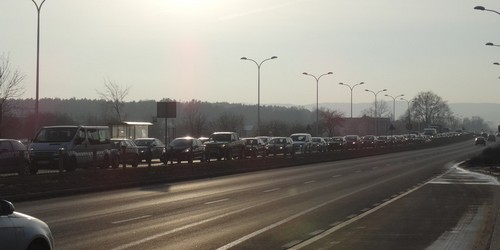 kielce wiadomości Kierowca Astry zakorkował ulicę Krakowską (ZDJĘCIA)