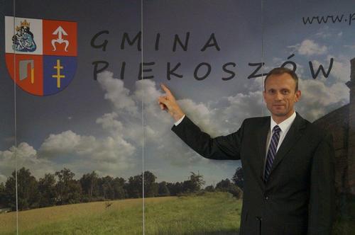 kielce wiadomości Pierwsza sesja Rady Gminy Piekoszów. Zbigniew Piątek złożył ślubowanie