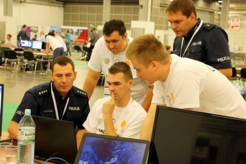 kielce wiadomości W Kielcach rozpoczął się pierwszy miejski maraton programistyczny Hackathon Idea Kielce