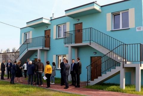 """kielce wiadomości Pierwsze mieszkania na """"Jezioranach"""" już gotowe. Mieszkańcy otrzymali klucze"""