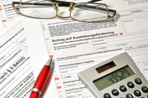 kielce wiadomości Wniosek i umowa - dwa istotne dokumenty przy ubieganiu się o pożyczkę