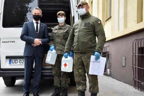 kielce wiadomości Wojewoda rozdysponował kolejną partię środków ochronnych dla szpitali
