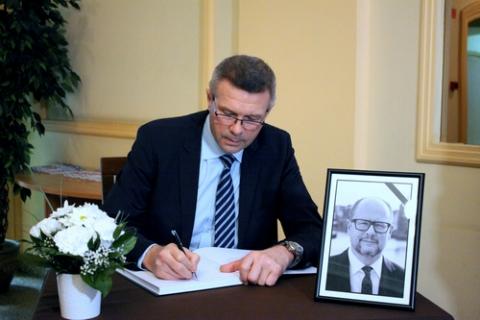 kielce wiadomości Księga kondolencyjna i żałoba w Kielcach po prezydencie Gdańska