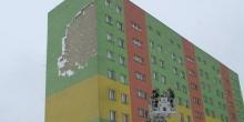 kielce wiadomości Wichura zerwała elewację z bloku na osiedlu Świętokrzyskie (ZDJĘCIA)